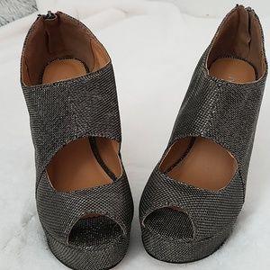 Shoe Dazzle Black/Silver Platform Heels